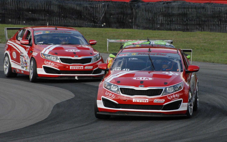 [Image: 2012-kia-optima-race-car-06.jpg]